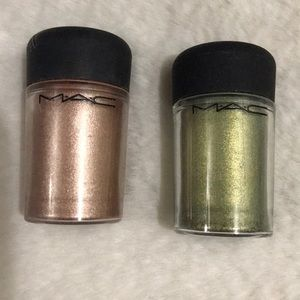 MAC pigment color powder.
